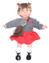 Кукла Gestitos Девочка (плачет)